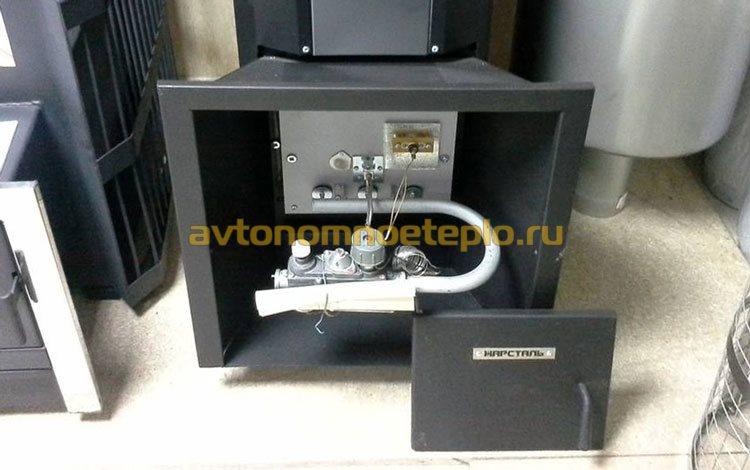 банный котел с установленной газовой горелкой