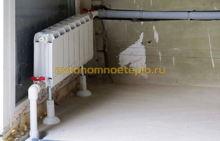 процесс установки радиатора изготовленного из алюминия