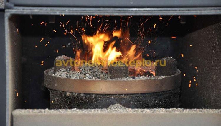 горение угля на ретортной горелке