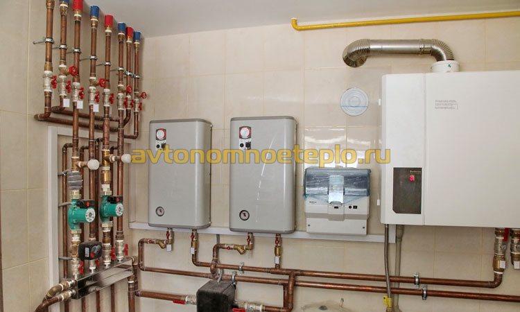 одновременное использование котлов на газе и электричестве