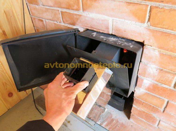 вставка горелки в печь