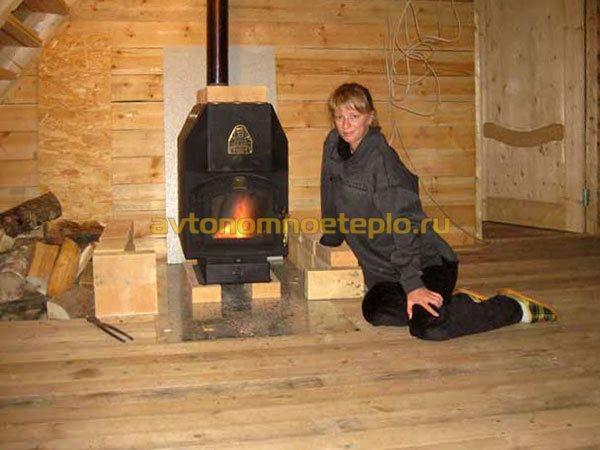 печка Бутакова в деревянном