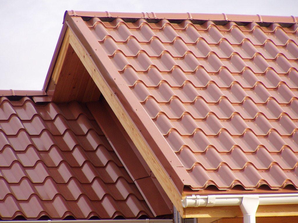 как возвести крышу загородного дома