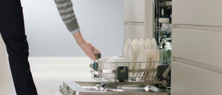 В чем плюсы встраиваемых посудомоечных машин