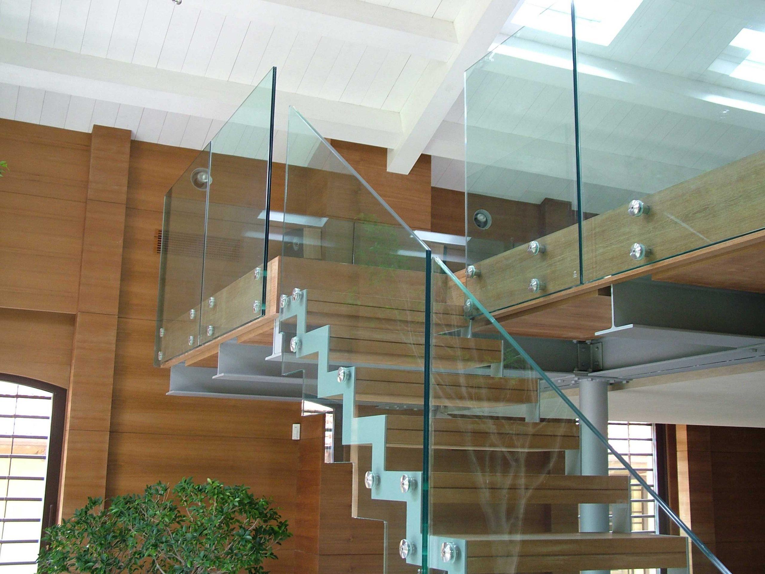 Производство стеклянных ограждений